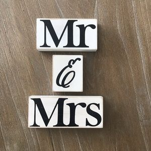 Sweet Mr & Mrs Blocks Sign Decor Wedding Gift